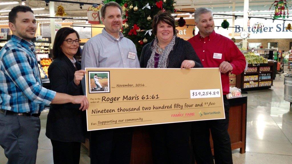 roger-maris-donation_2016-11-30